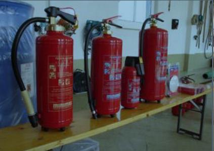 Feuerlöscherüberprüfung im Pflichtbereich