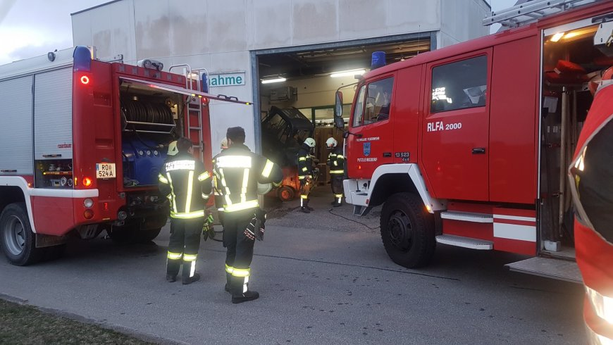 Staplerbrand bei Firma Topic